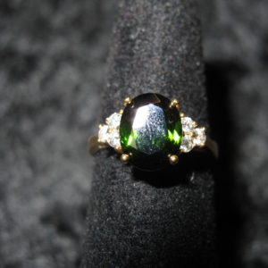 YELLOW GOLD GREEN TOURMALINE RING WITH DIAMONDS