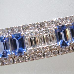 18 KT White Gold Bracelet with 20.13 CT tw Sapphires and 7 CT tw Diamonds
