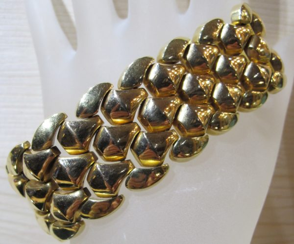 Vintage 18 KT Yellow Gold Bracelet made it Italy