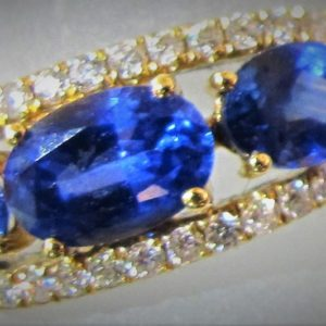 18 KT Yellow Gold Ring with .18 CT tw Diamonds and 1.33 CT tw Sapphires