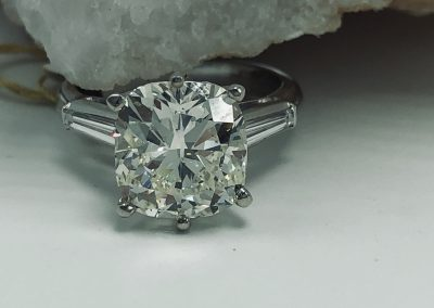 Preowned 5.03 CT Round Estate Diamond